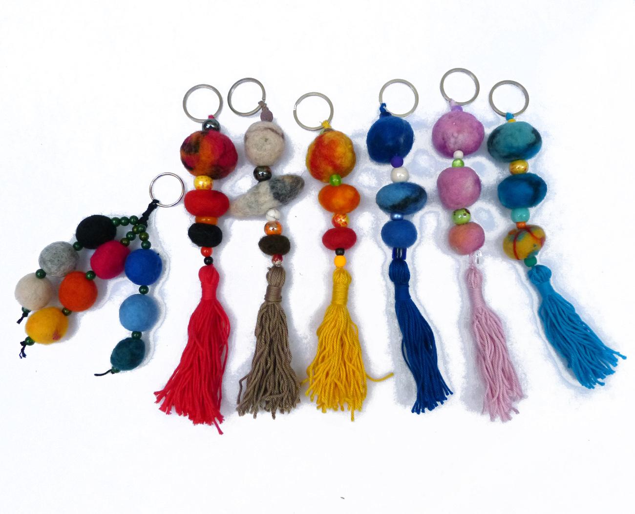 Schlüsselanhänger mit Filzperlen