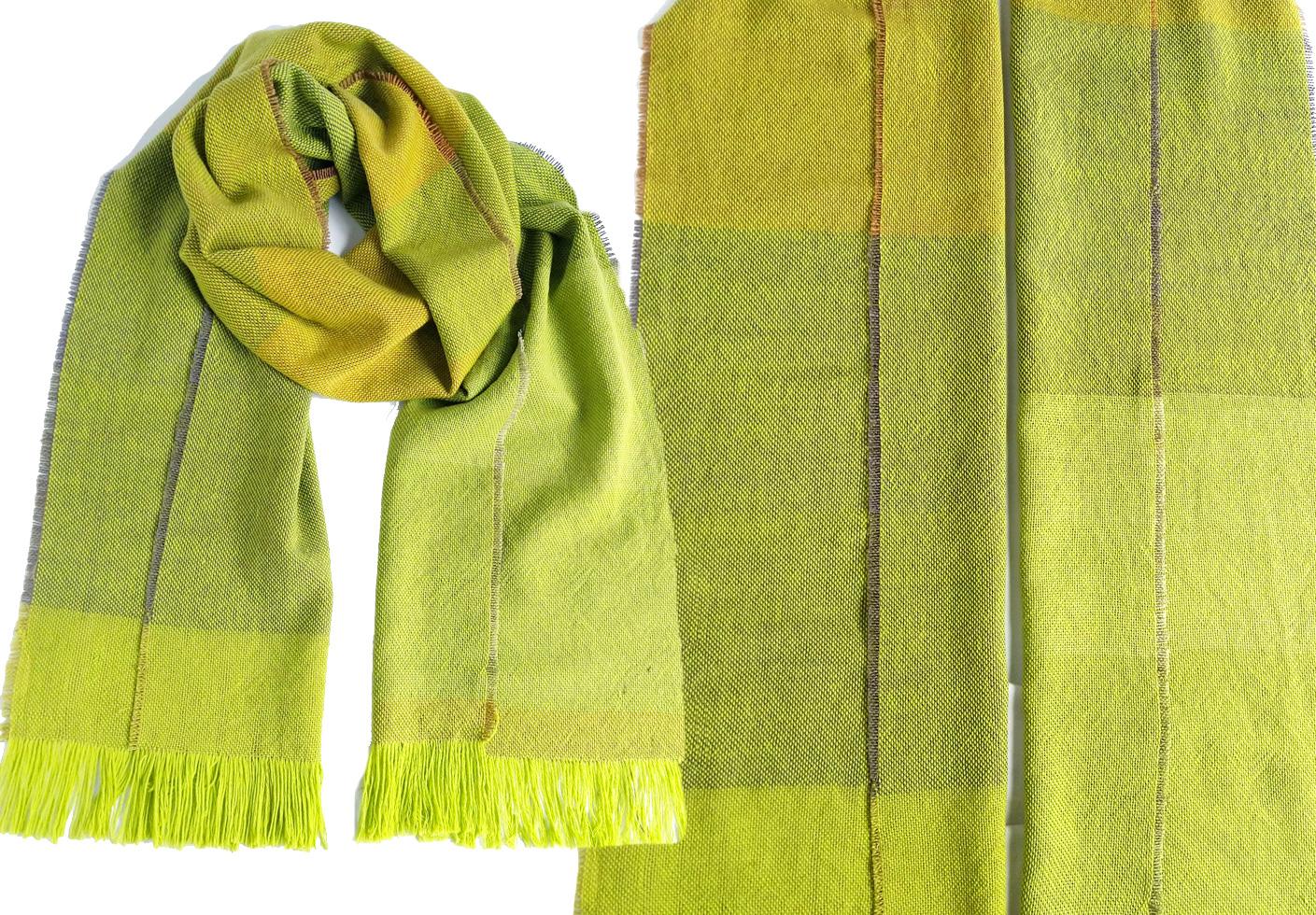 handgewebter Schal in Verlaufsfarben